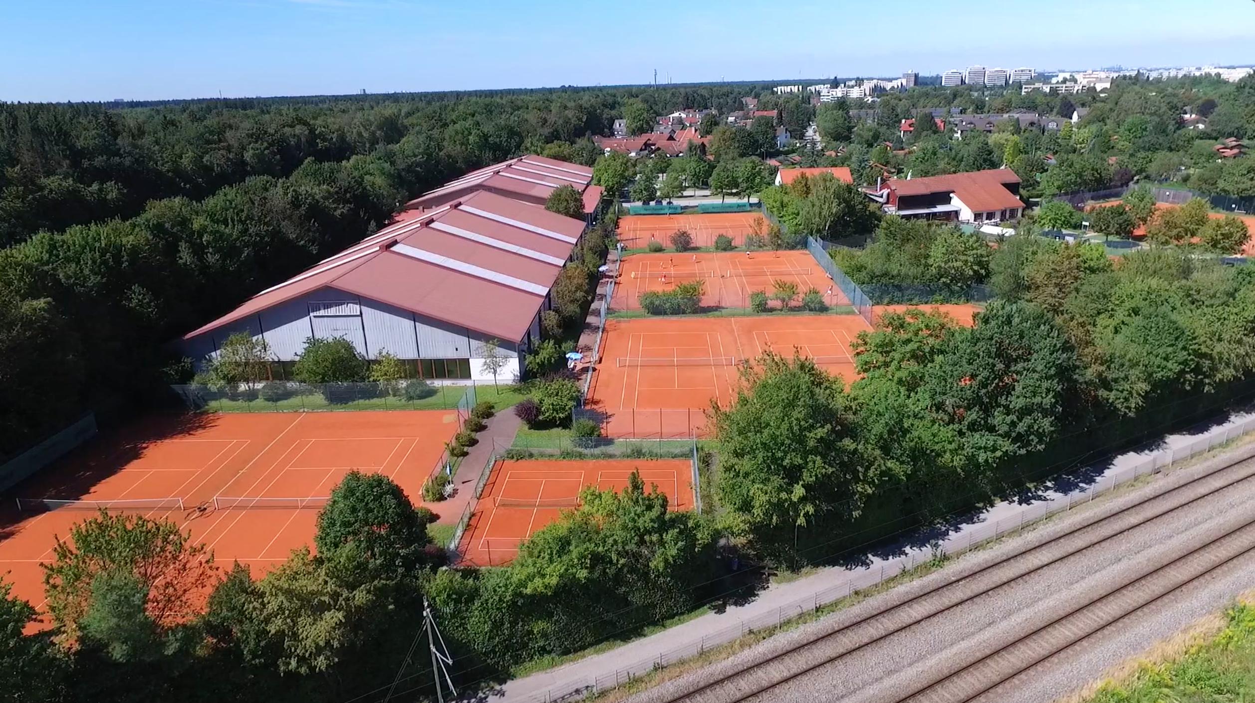Tennisanlage Taufkirchen Tennis Raschke mit Drohne aufgenommen